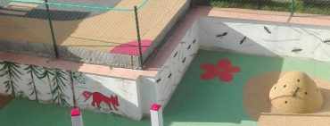 Bezpečný herní povrch pro děti v mateřské škole
